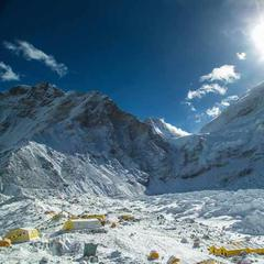 Das Basisager am Mount Everest nach der Lawine am 25.4.2015 - ©6summits
