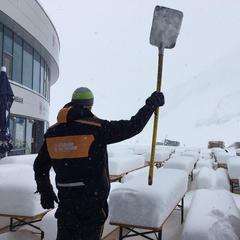 35cm świeżego śniegu na lodowcu Stubai, 18.04.2017 - ©Facebook Stubaier Gletscher