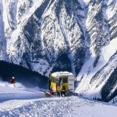 The snow cat at Chatter Creek