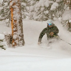 Shredding powder turns with Eric Rasmussen.