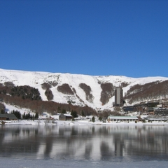 Une jolie vue sur le domaine skiable de Besse Super Besse