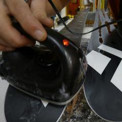 Fartage : Passez le fer sur la semelle pour étaler ces gouttes uniformément.