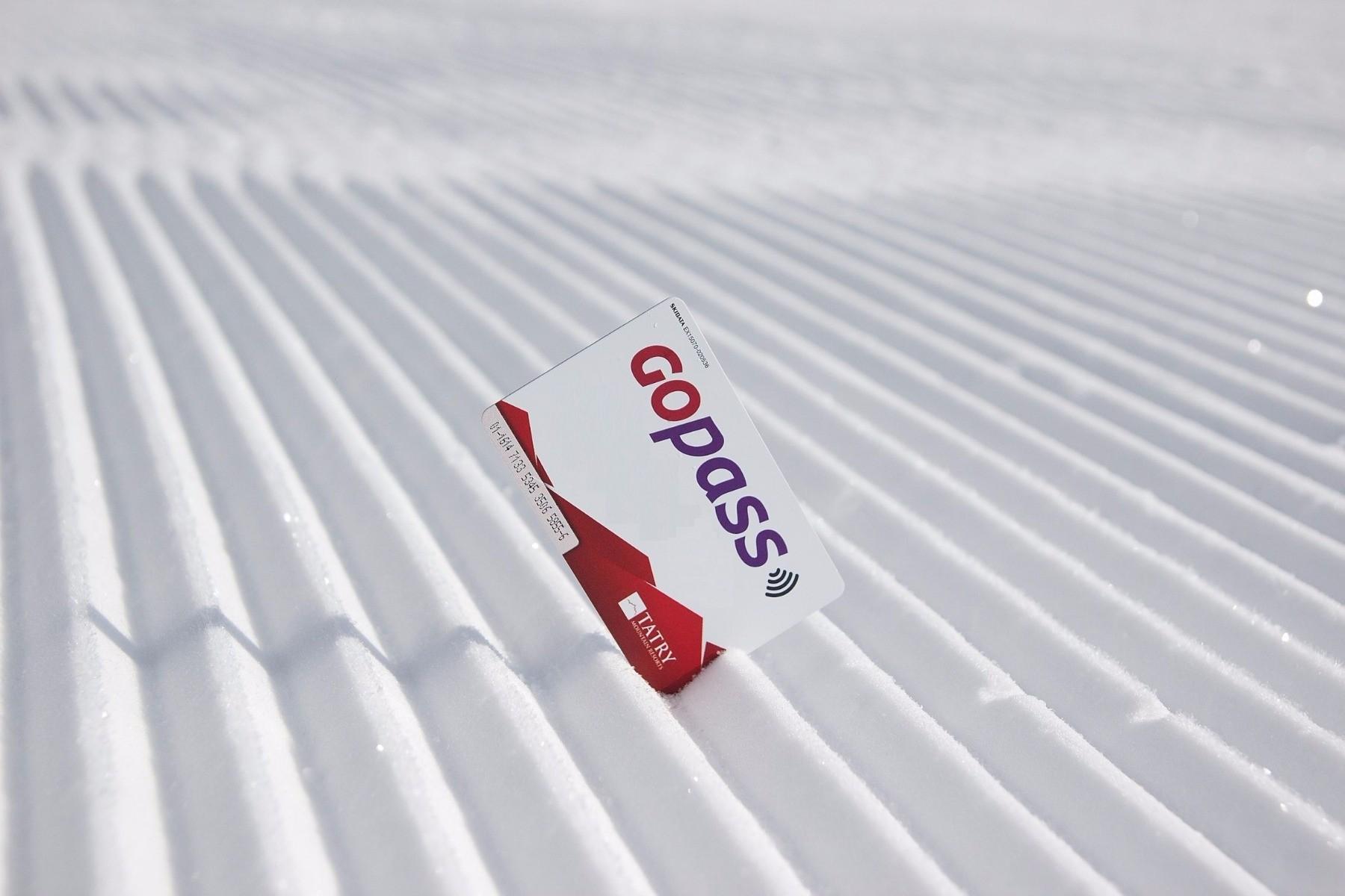 5070f23c8 Využite GOPASS e-shop a nakupujte skipasy výhodne z pohodlia domova. Lyžiari,  ktorí svoju lyžovačku vopred plánujú si tak môžu kúpiť celodenný skipas až  ...