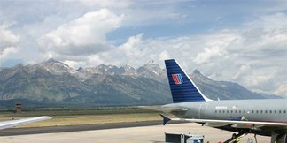 News Roundup: United Adds Flights to Ski Country, TripHero Makes Transporting Ski Gear a Breeze