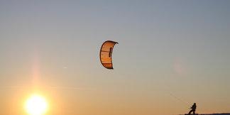 Trendsport Snowkiten: Hot Spots für das Surfen mit Ski und Board ©Papillon Flugschule