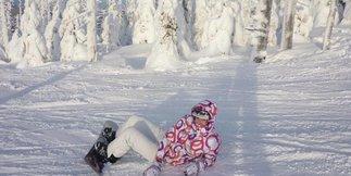 Poľská Lolobrygida má takmer štyri kilometre, je červeno-modrá a dá sa na nej lyžovať - ©Ski Arena Szrenica FB