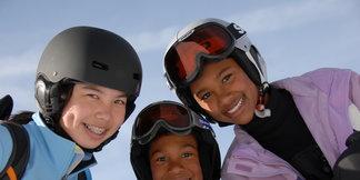 Jak správně vybrat lyžařskou přilbu?