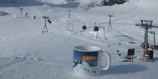 Raport śniegowy: Rusza sezon na kolejnych lodowcach, przybywa otwartych tras na Stubaiu - ©Stubaier Gletscher