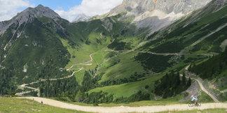 Tiroler Zugspitzregion: Biken bis die Bremsen glüh'n