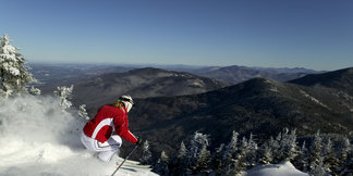 Ski New York: Bright lights and snowy slopes ©Smugglers' Notch