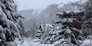 Neuschnee in den Alpen (21./22.11.2015) - ©Facebook Val d´Isère