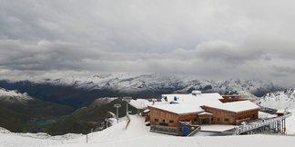 Premiers flocons sur les sommets (15 sept) - ©Facebook Tignes