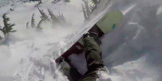 Snowboarder tatt av skred: Overlever takket være skredsekk - ©Skjermdump