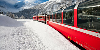 Snooze your way to the slopes by ski train - ©Valais, Switzerland