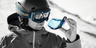 EXO OTG, le masque de ski qui se porte sur les lunettes de vue ©Mirja Geh