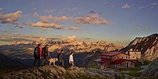 Aktivurlaub beim Wandern und Klettern in den Trentiner Bergen  - ©Trentino/Carlo Baroni