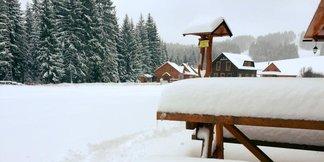 Aj na Slovensku sa lyžuje: Ďalších 10 stredísk otvára sezónu ©facebook Orava Snow Oravská Lesná
