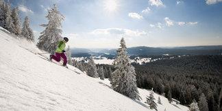 Chaussez vos skis, la saison peut commencer dans les Montagnes du Jura ©Montagnes du Jura