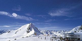 Stubai Glacier Announces It Will Stay Open To July