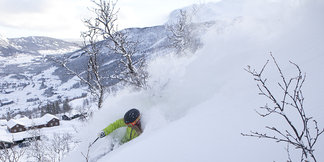 Skiing in Norway: Powder conditions, empty slopes ©Kalle Hägglund
