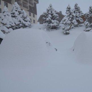 Mitte Dezember 2018: Massive Schneefälle im Alpenraum - © Les Menuires/Facebook