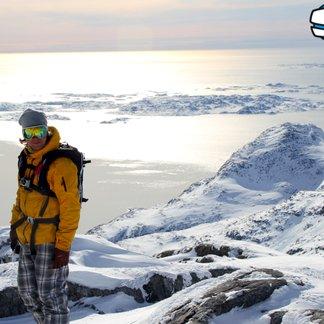 Heliski på Grønland - ©Jeppe Hansen, Surfline