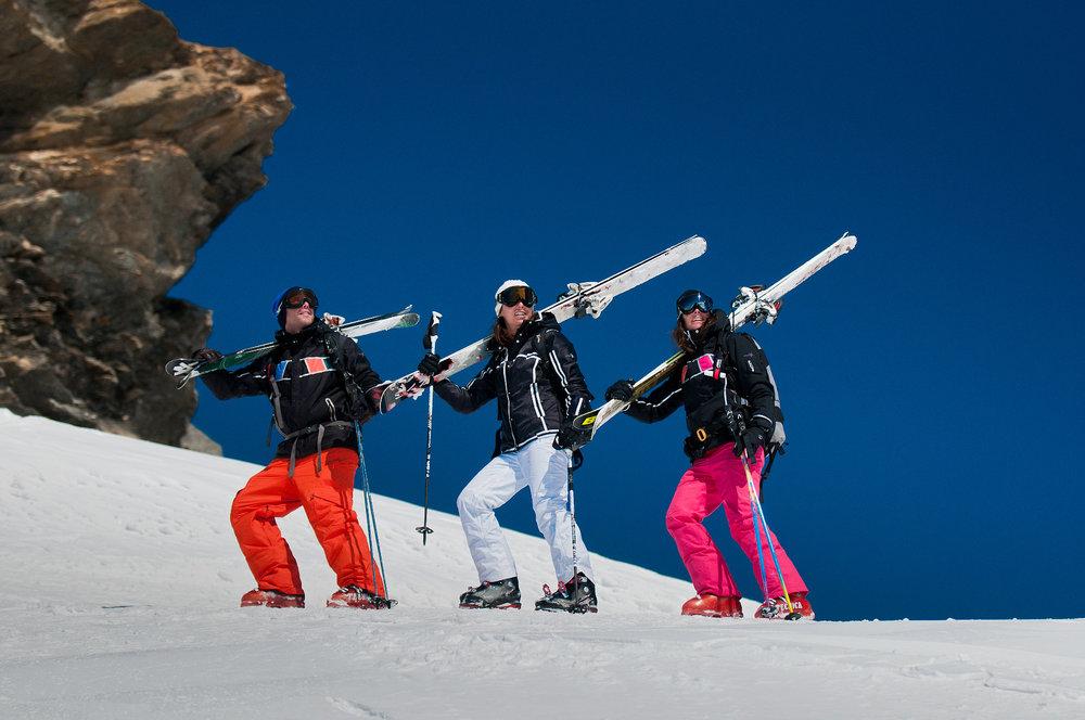 Ski d'été sur le glacier du Pissaillas à Val d'Isère - © Andy Parant