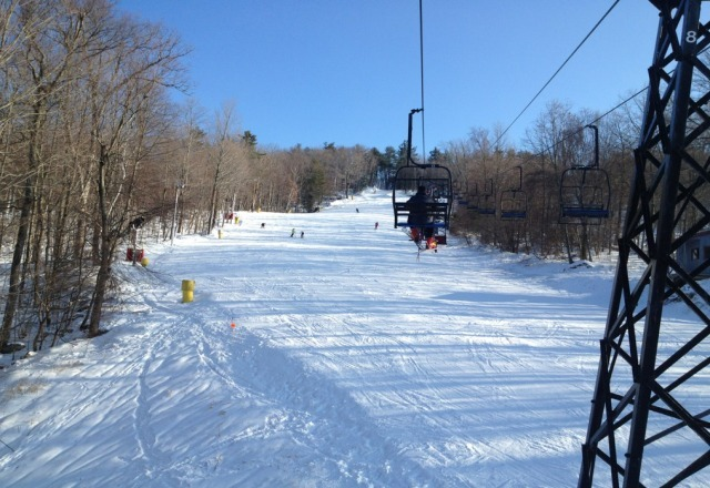 beautiful day at mohawk. first time here, but solid coverage, 40 degree snow, minimal ice + sunshine!