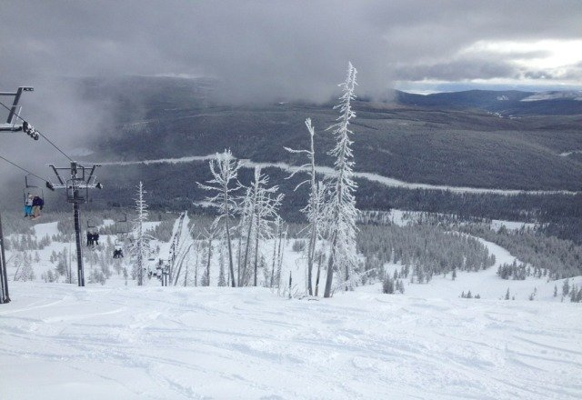 "first day @ Lost Trail was a glorious day with 4"" fresh and knee deep buttery turns all MF day"