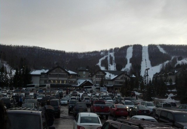 not bad on saturday.... lots of bare spots, and a broken lift... but a good day overall
