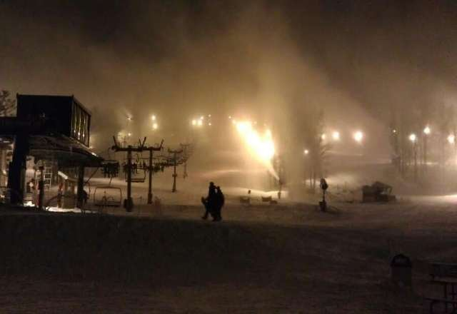 Midnight madness was perfect last night. Tons of snow and they were blowing more all night. That 10