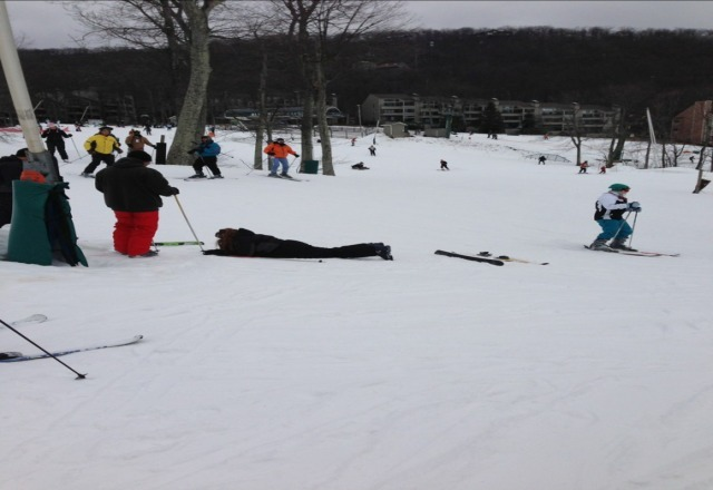 greeeeeat time at wintergreen!!!   my girl wiped out and wouldnt get back up on skis tho.  :-(.  regardless, thanks for an amazing bunch of slopes!!!  wooooot.