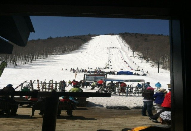 beatiful day today at the Beast!!! Feb conditions, no rain forecast is wrong. still tons of snow.