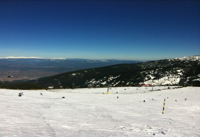 Beautiful sunny day today. Bansko needs some more snow as it is starting to get hard and icy on the slopes.