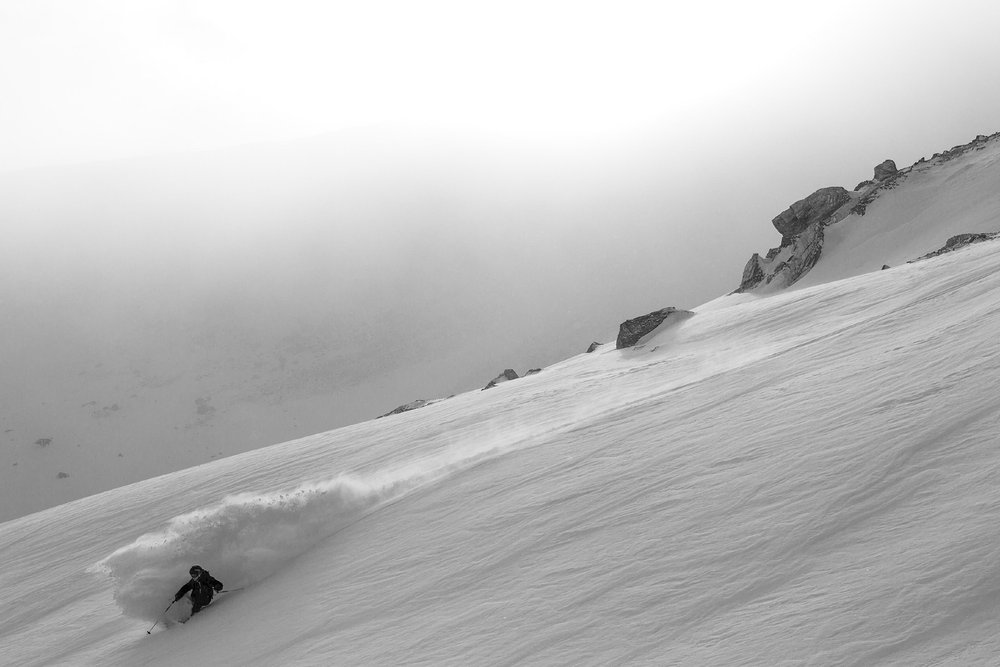 Mat Philippi enjoys fresh powder at La Parva, Chile - © Greg Von Doerstein