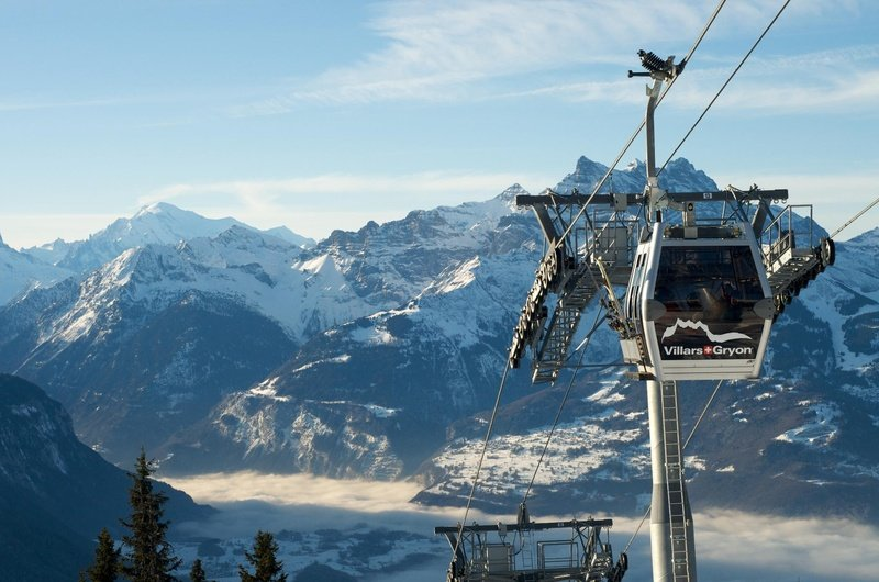 Wunderschönes Alpenpanorama mit Ausblick ins Tal von Villars-Gryon - © Foto Villars Touirsmus, Schweiz