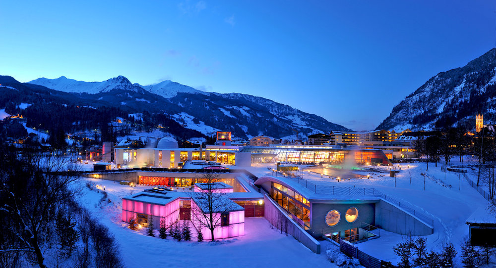 The Alpentherme spa in Bad Gastein, with a stunning view of the surrounding mountains - © Alpentherme Gastein