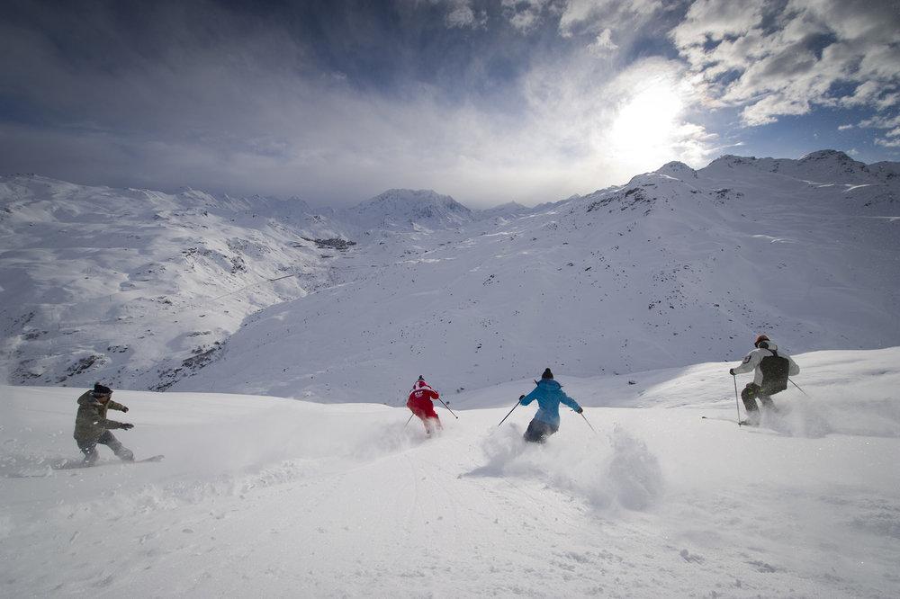 Le domaine skiable des Menuire regorge de spots hors-piste que le sprofessionnels de la montagne (moniteurs, guides...) se ferront un plaisir de vous faire découvrir - © G. Lansard / OT des Menuires
