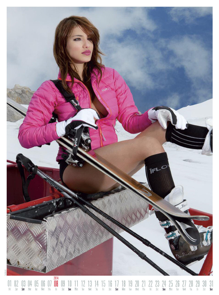 Ms August 2014 - Female Ski Instructor Calendar - ©Hubertus Hohenlohe/www.skiinstructors.at