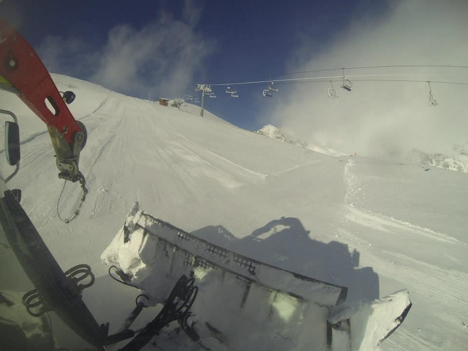 Piste basher in Alpe d'Huez Nov. 6, 2013 - ©Alpe d'Huez