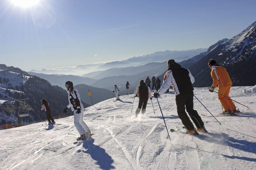 Skiers in the Val di Fiemme pistes - ©Trentino Web Archive, Pierluigi Orler Dellasega