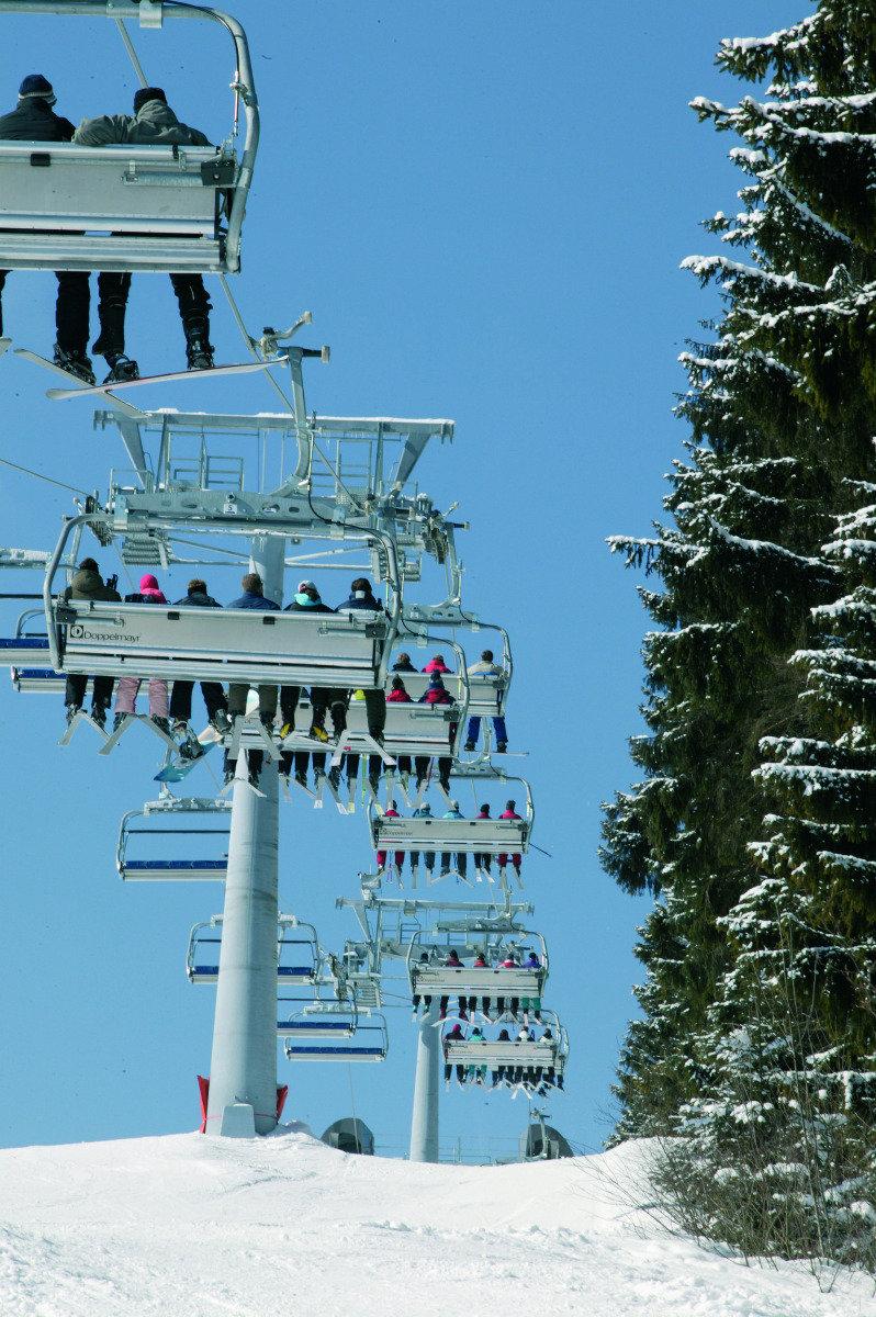 Sesselbahn im Skiliftkarussell Winterberg - © Wintersport-Arena Sauerland