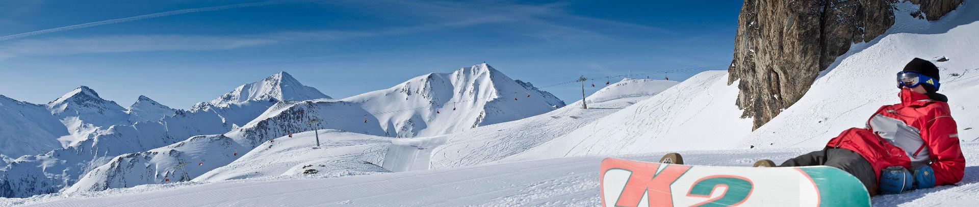 Snowboarder in Samnaun - © Andrea Badrutt