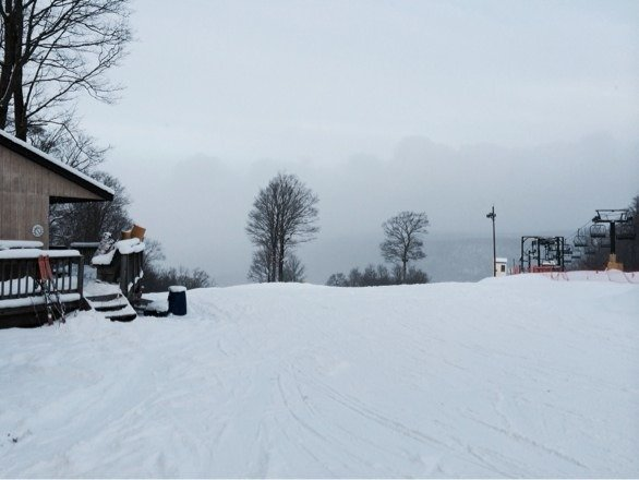 Snowing all day and they are making snow.  Had the hill to myself!