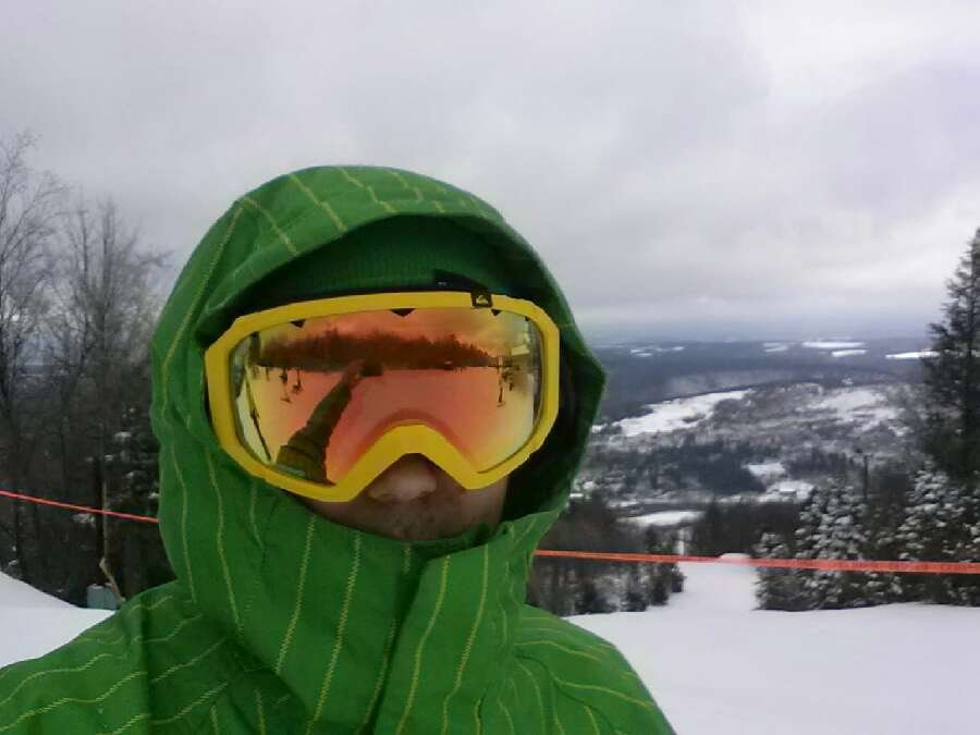 fresh powder but already skied out , mogul central dont think they groomed at all, ill be in the bar