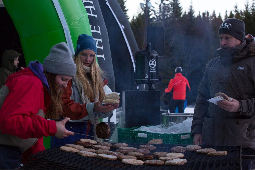 De økologiske burgerne fikk bein å gå på blant sultne ski- og snowboardkjørere