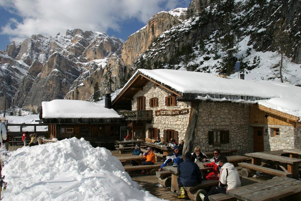 Die Scotoni-Hütte in Alta Badia - © Alta Badia