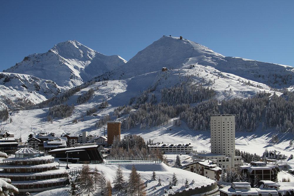 Vue générale sur le station de ski de Sestrières - © Sestriere Vialattea