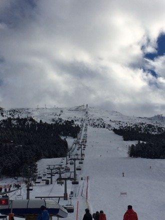 Sabato 21/12  Bella giornata..neve dai 2000m in su fantastica...sotto i 2000 nn un granché. Sky pass giornaliero a 22€ (pensavo si fossero sbagliati ????)