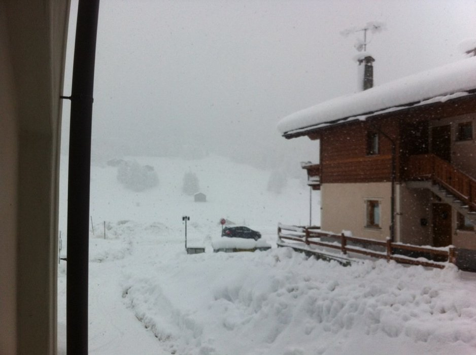 65cm additional snow per 24 hours!!! :)